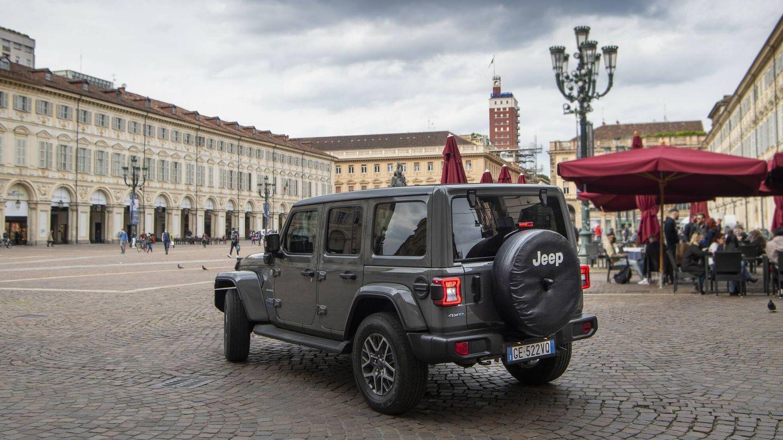 El Jeep Wrangler 4xe homologa una autonomía eléctrica en ciudad de 53 kilómetros, y de 45 en ciclo mixto.