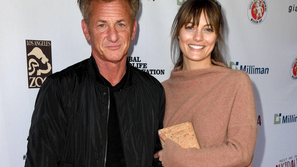 Foto: Sean Penn y Leila George en un evento solidario. (Getty)