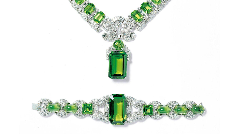 Foto: Collar de 1936 en platino, con peridotos facetados y tallo en diamantes 'baguette' y redondos, al estilo 'Art Deco'.