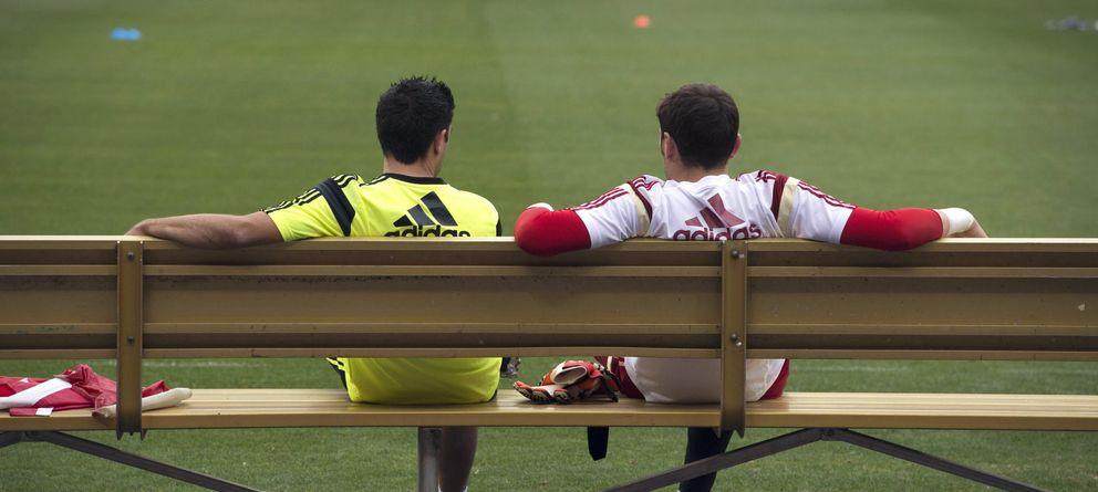 Casillas y Xavi no tienen nada claro que su futuro pase por Real Madrid y Barcelona