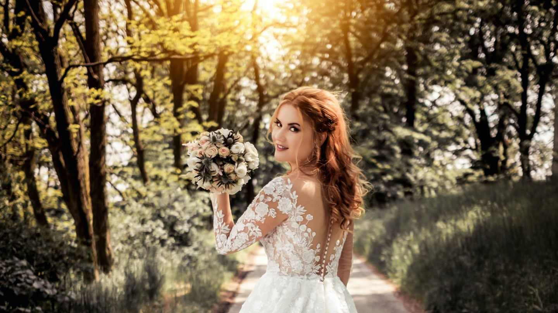 Pros y contras de las bodas de otoño. (Victoria Priessnitz para Unsplash)