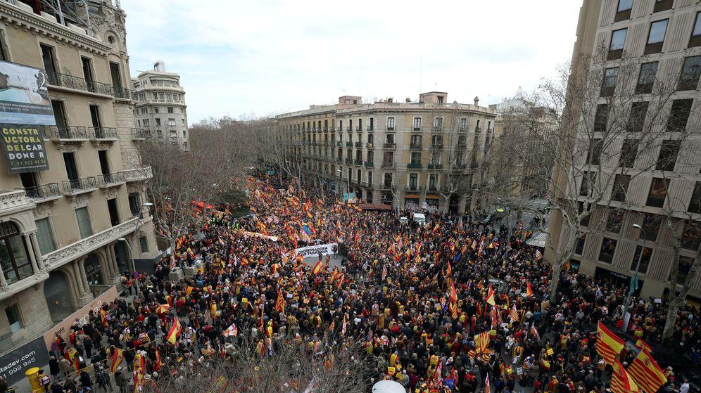 Foto: Manifestación convocada por la Plataforma de Tabarnia en Barcelona. (Reuters)
