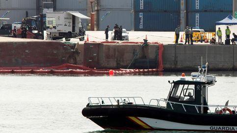 Buscan a un estibador desaparecido tras volcar un buque en el puerto de Castellón