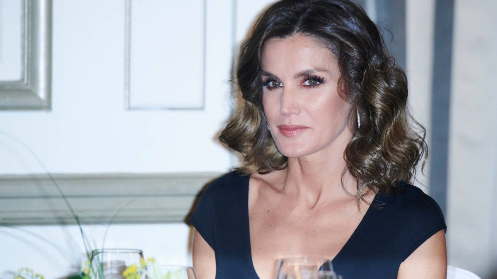 Foto: La Reina durante la cena. (Limited Pictures)