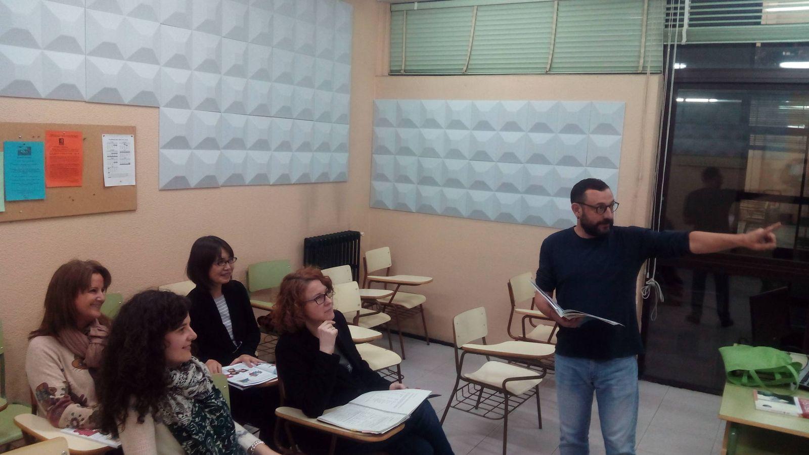Foto: Una de las clases de catalán en la Escuela Oficial de Idiomas Jesús Maestro.
