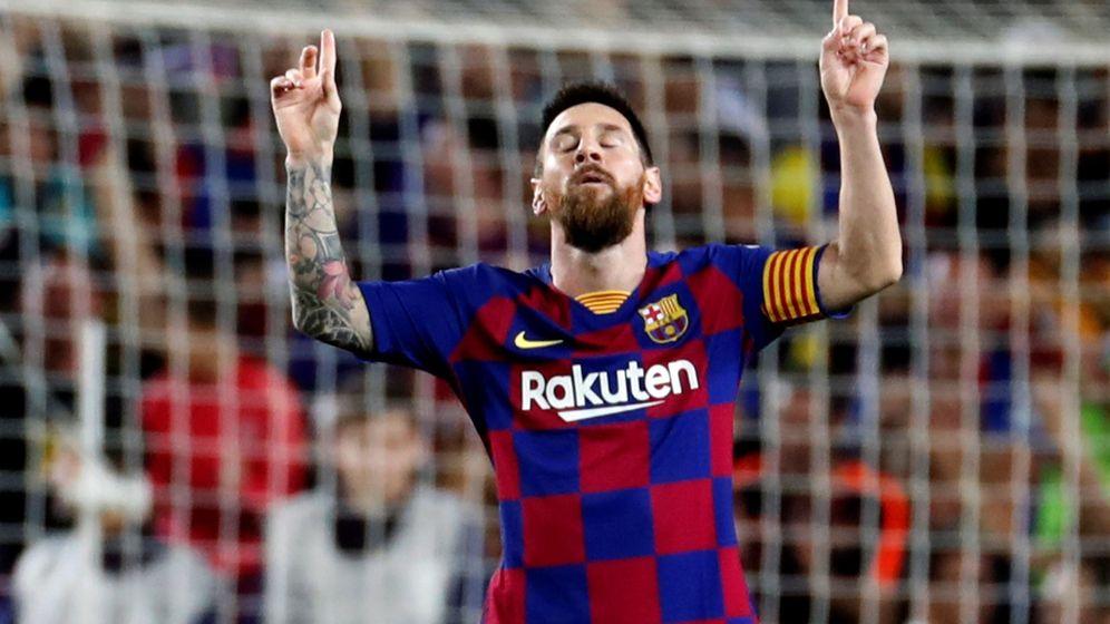 Foto: Leo Messi celebra el gol de falta marcado al Sevilla en el Camp Nou. (Efe)