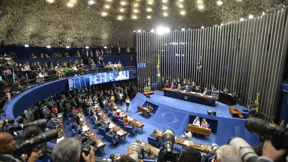 Rousseff, ante el Senado: Estamos a punto de consumar un golpe de Estado
