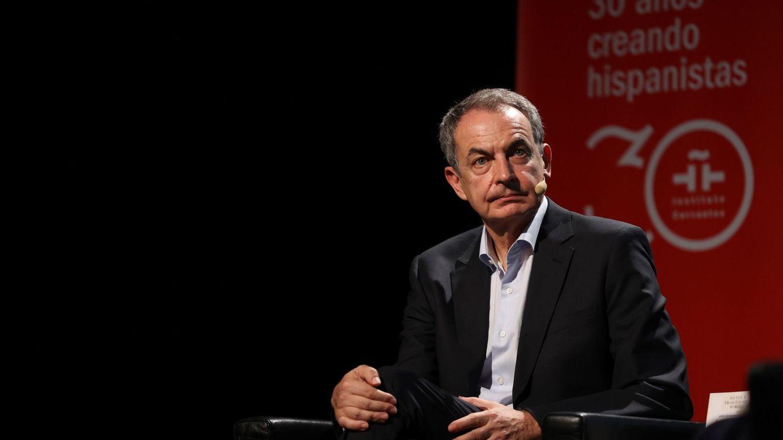 Zapatero, el literato, reúne al nuevo y viejo PSOE con su nuevo libro alejado de la política