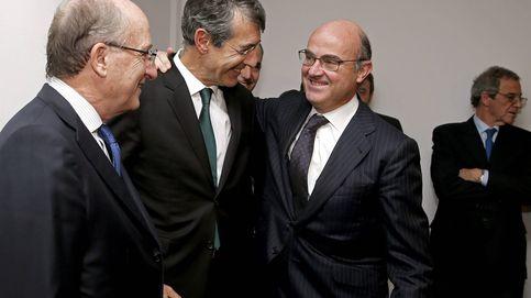 Rajoy juega al despiste con el relevo de Guindos mientras Becker gana enteros