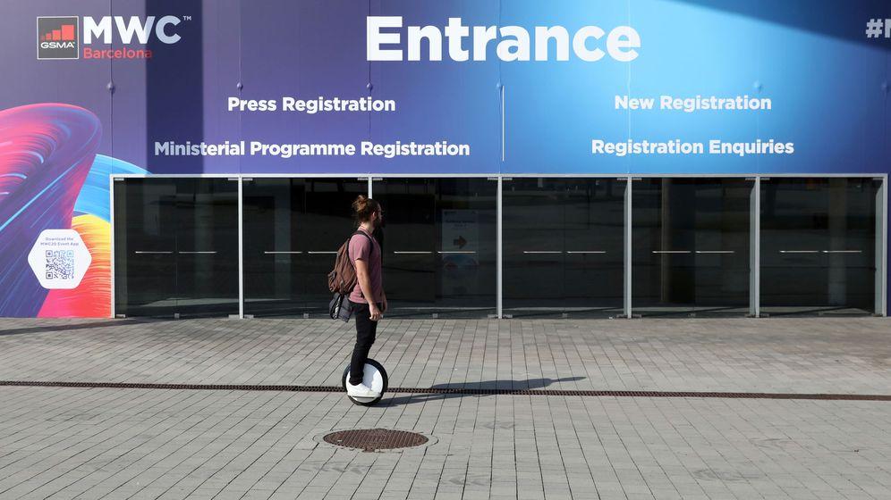 Foto: Entrada al Mobile World Congress desierta. (Reuters)