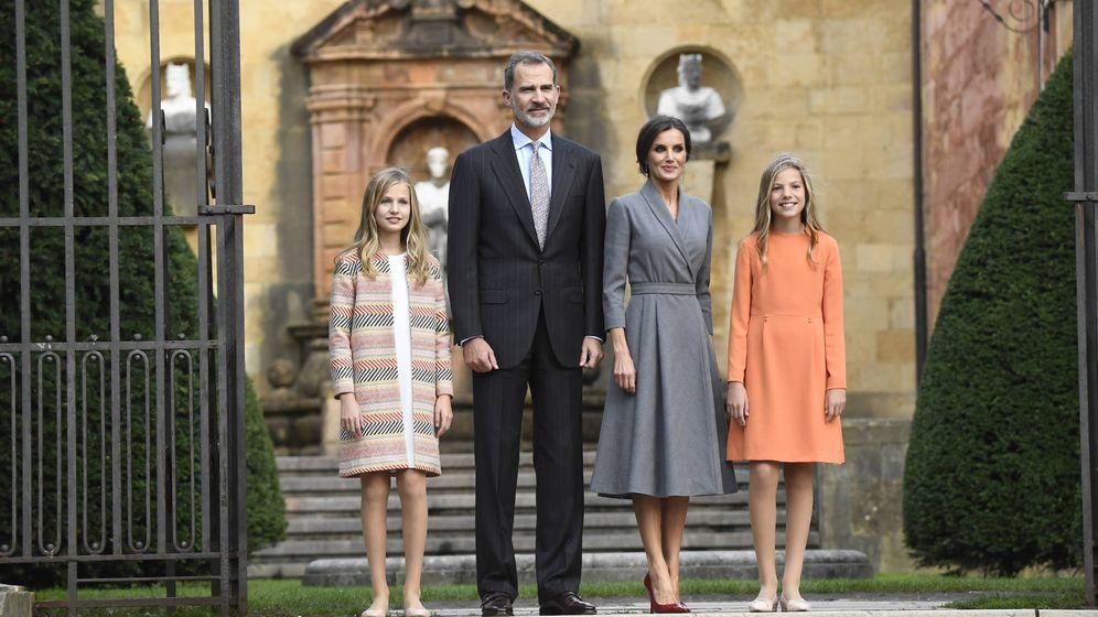 Foto: Los Reyes con sus hijas. (LP)