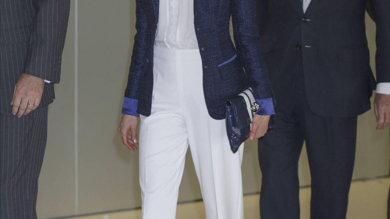 Doña Letizia estrena uno de sus peores estilismos del año