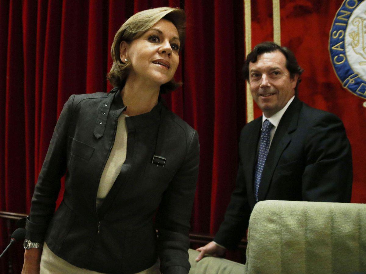 Foto: María Dolores de Cospedal, junto a Rafael Orbe, actual presidente del Casino. (EFE)