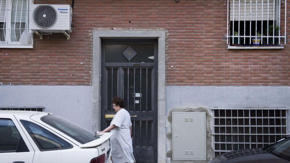 Foto: Portal del barrio de Villaverde. (EFE)