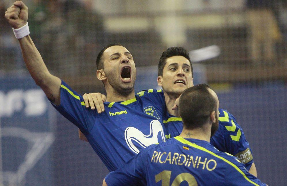 Foto: Los jugadores del Movistar Inter celebran un gol. (EFE)