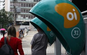 Oi, rival de Telefónica en Brasil, se ve obligada a vender activos