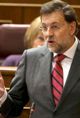Foto: Rajoy tacha de descomunal bajada de pantalones el pacto con el PNV para aprobar los PGE