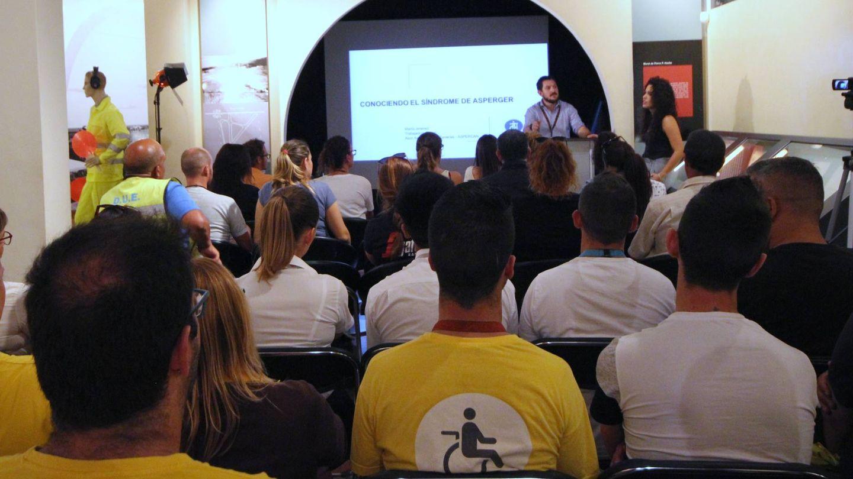 Charla informativa a los trabajadores del Aeropuerto César Manrique-Lanzarote.