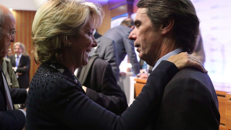 José María Aznar, junto a Esperanza Aguirre. (EFE)