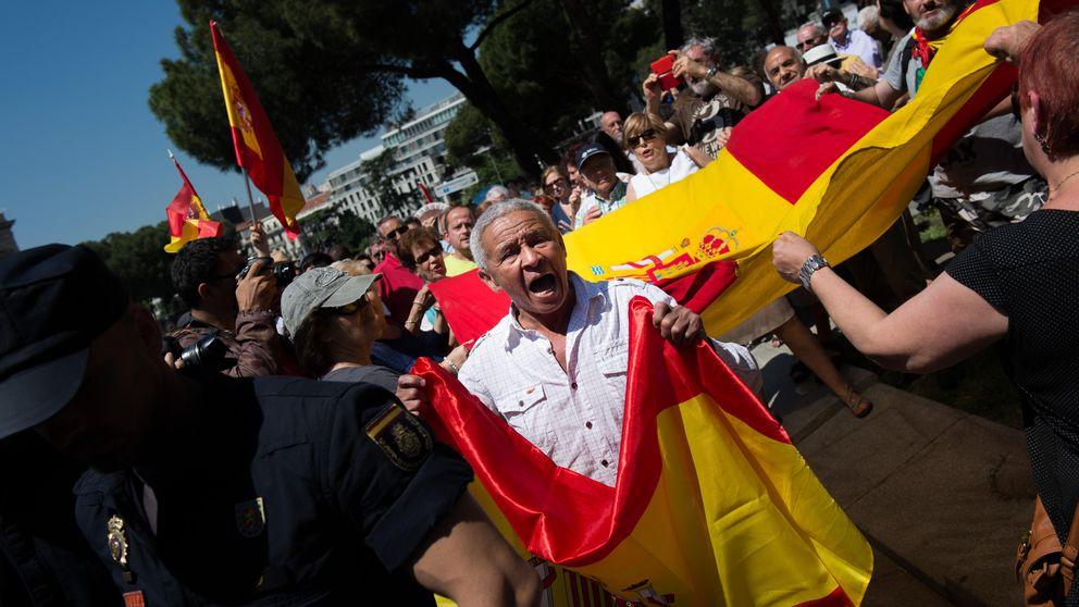 Fracaso de la concentración contra un Madrid comunista en Colón