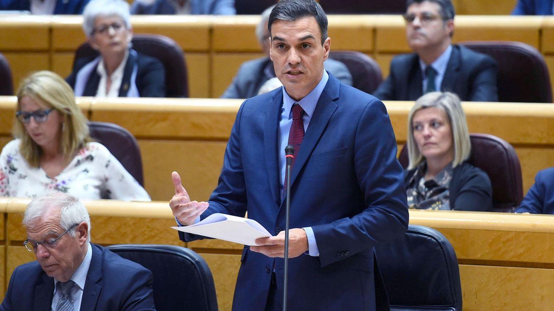 Sánchez sale a la ofensiva y siembra dudas sobre la tesis del jefe del PP en el Senado