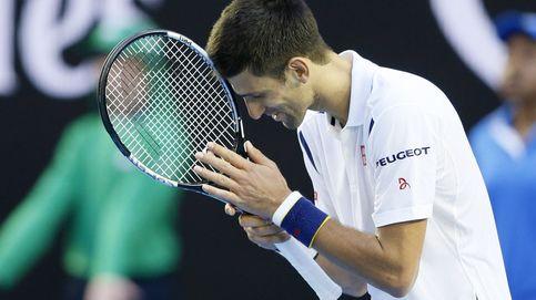 Djokovic sobrevive a un mal día: sufre para derrotar a Simon en cinco sets