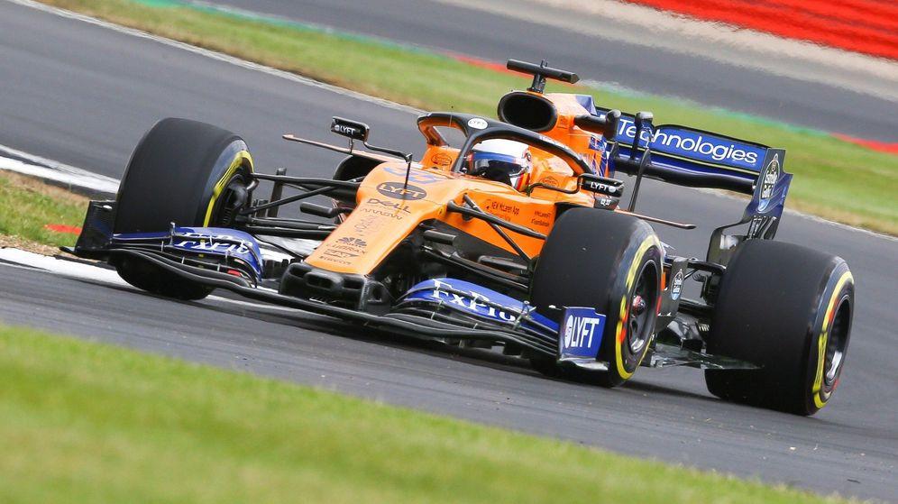 Foto: Carlos Sainz al volante del McLaren en Silverstone. (EFE)
