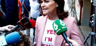 Post de La camiseta feminista y el traje low cost vichy de Carmen Calvo