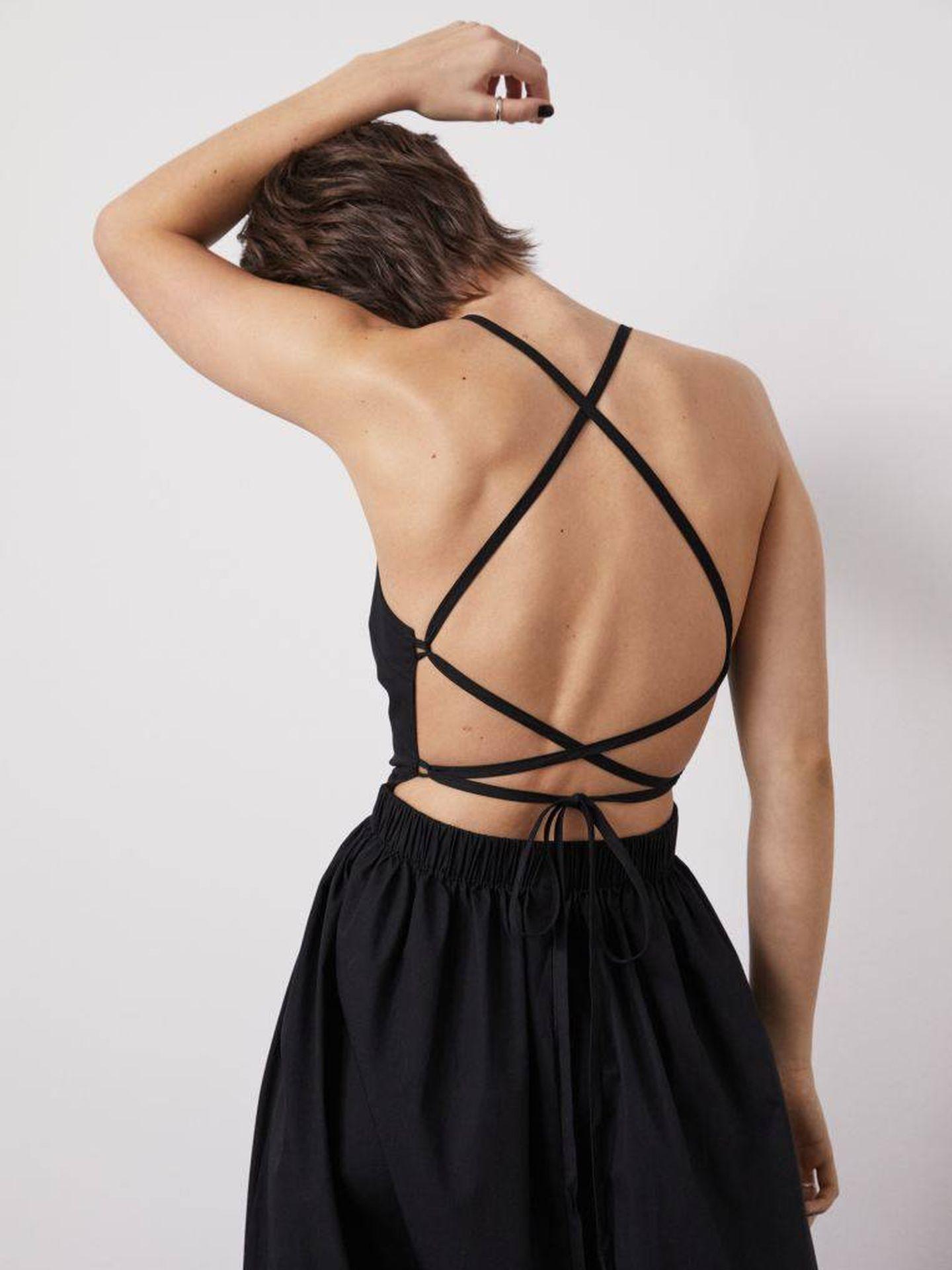 Vestido negro de HyM. (Cortesía)
