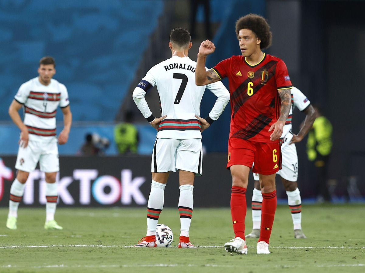 Foto: Witsel celebra el gol de Thorgan Hazard. (Reuters)