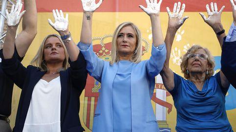 Fuera, fuera: Carmena, abucheada en los homenajes a Miguel Ángel Blanco