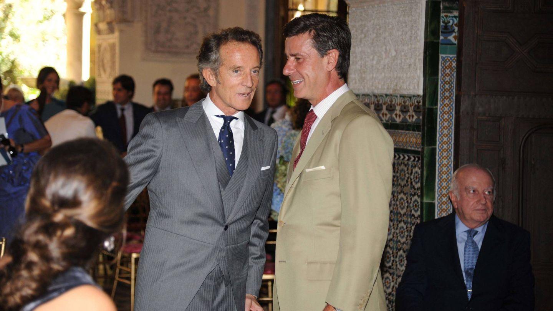 Cayetano con Alfonso Diez, el día de la boda de su madre. (Getty)