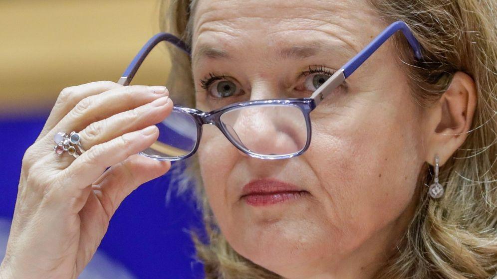 Foto: La ministra española de Economía, Nadia Calviño, en la reunión del Comité de Asuntos Económicos y Monetarios celebrada en el Parlamento Europeo en Bruselas (Bélgica). (EFE)