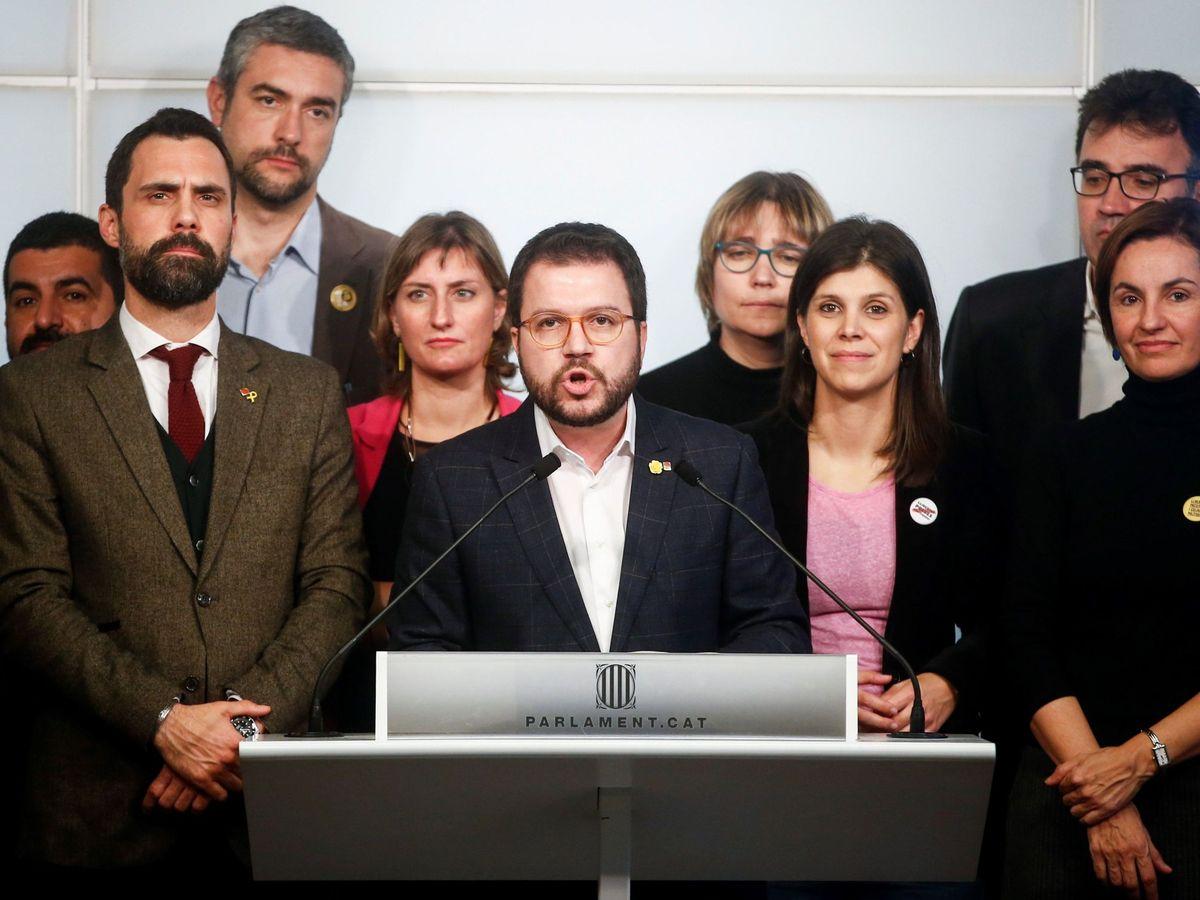 Foto: Pere Aragonès, junto al resto del equipo de ERC. (EFE)