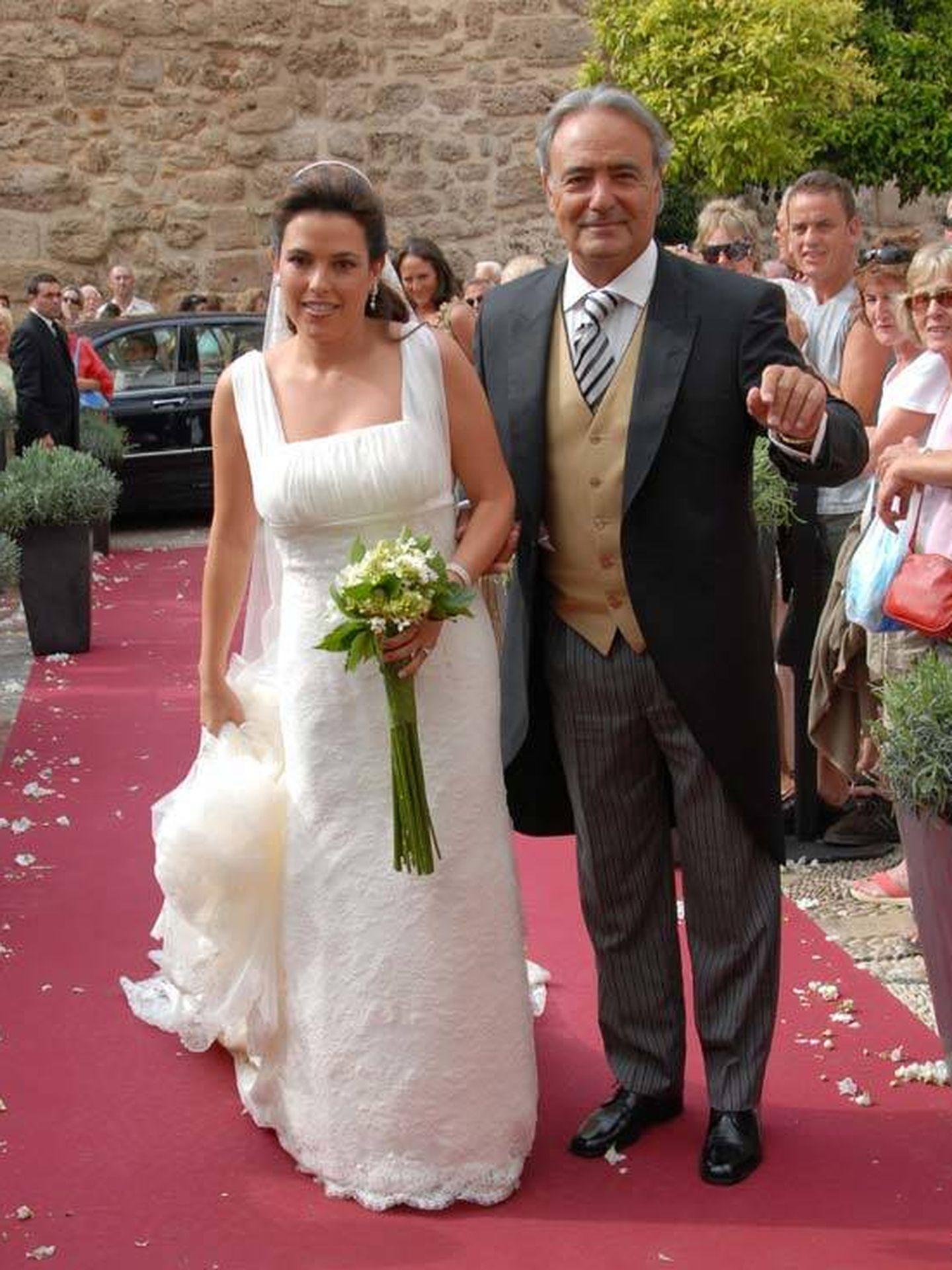 Carlos Iglesias en la boda de su hija Marta. (Gtres)