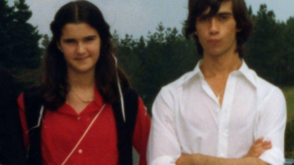Foto: Miguel Ángel Santamaría junto a su hermana Blanca en una foto de archivo cedida por la familia.