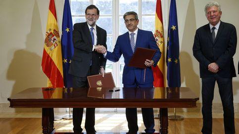 Rajoy firma con Nueva Canarias su respaldo a los presupuestos generales