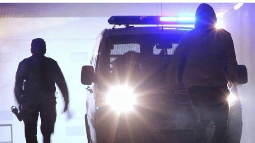 Foto: El arrestado trató de huir llevándose a varios agentes por delante. Foto: Policía Nacional