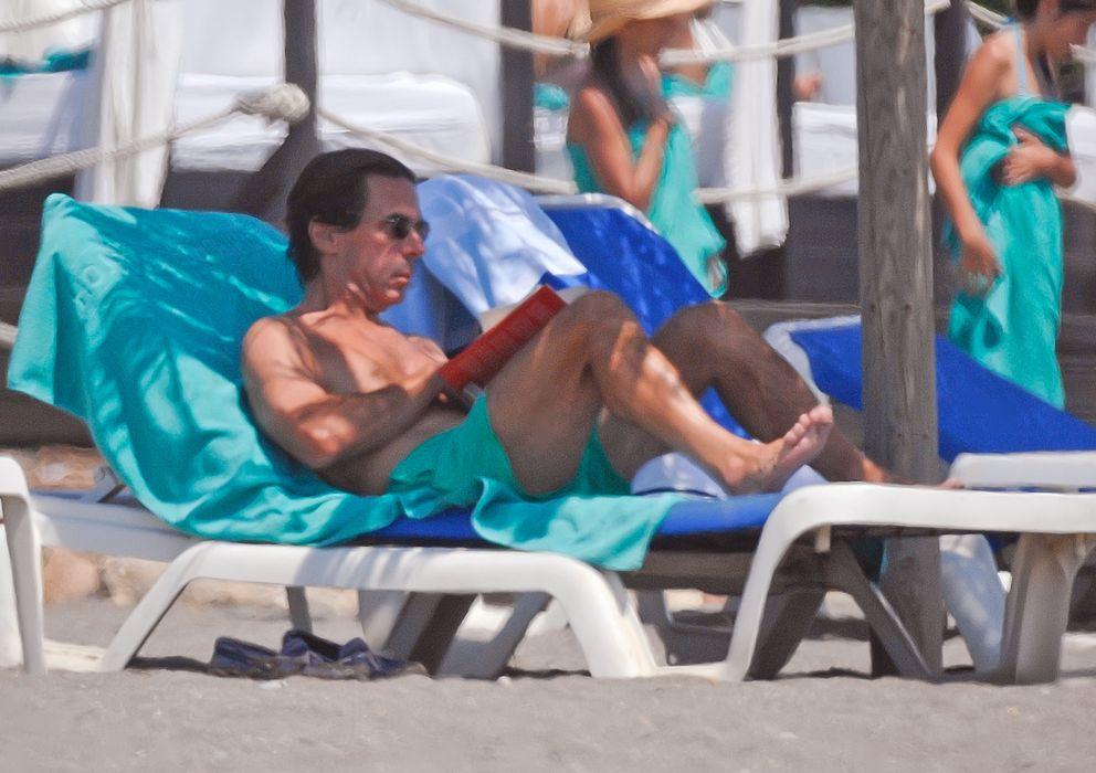 Foto: José María Aznar, durante sus vacaciones en Marbella en agosto de 2013 (I.C.)