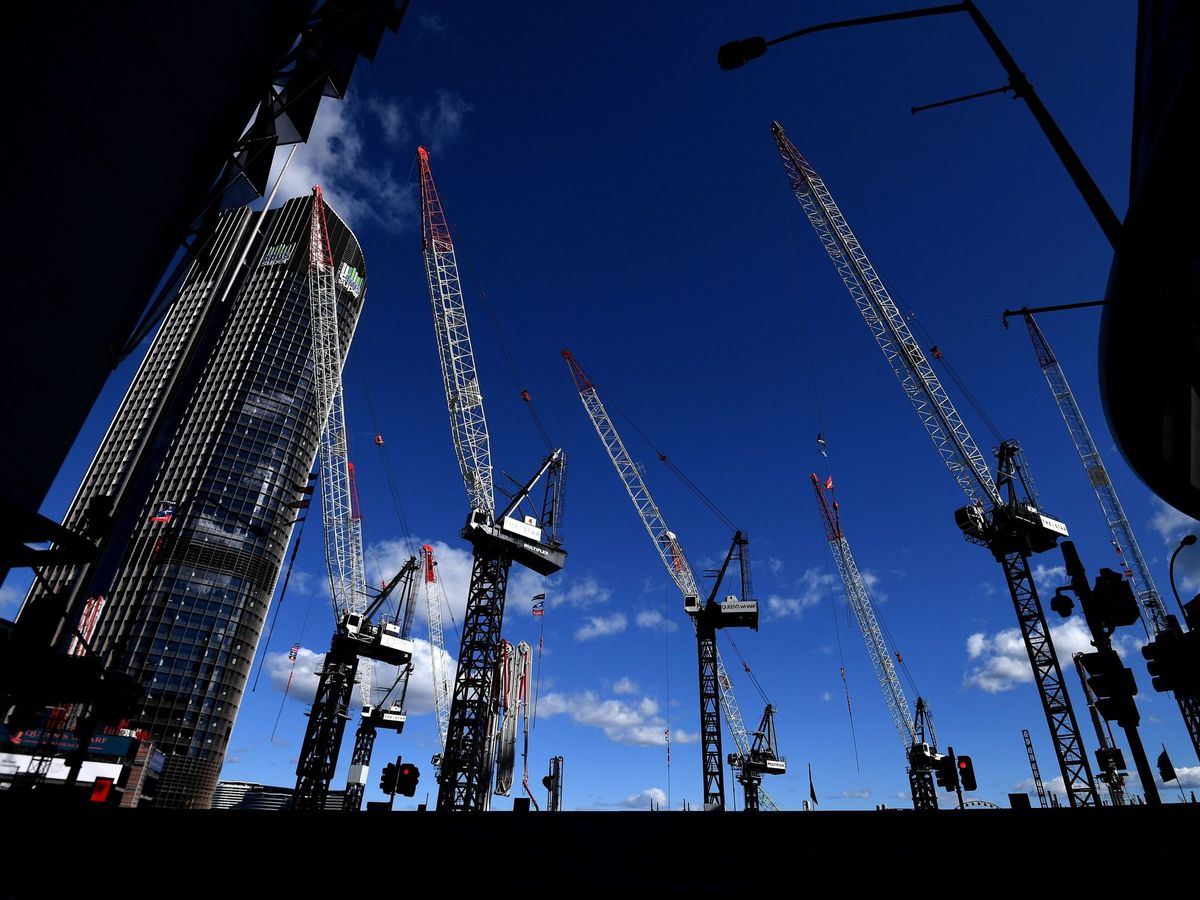 Foto: Seis de cada 10 promotores a nivel mundial han retrasado proyectos por el covid-19. (EFE)