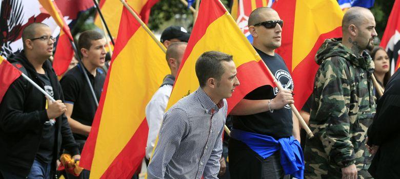 Foto: Manifestación de la Plataforma La España en Marcha por las calles de Barcelona (EFE)