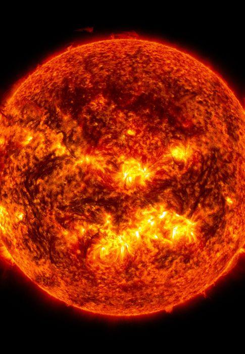 Foto: El Sol emite una erupción en esta instantánea tomada el mes de julio de 2013. (NASA)