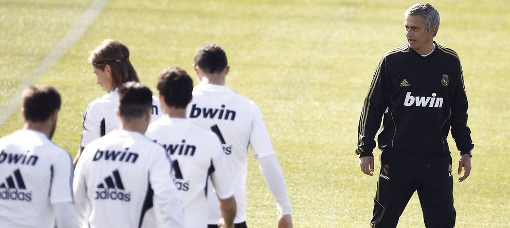 Foto: José Mourinho, durante un entrenamiento con el Real Madrid en su etapa como entrenador blanco.
