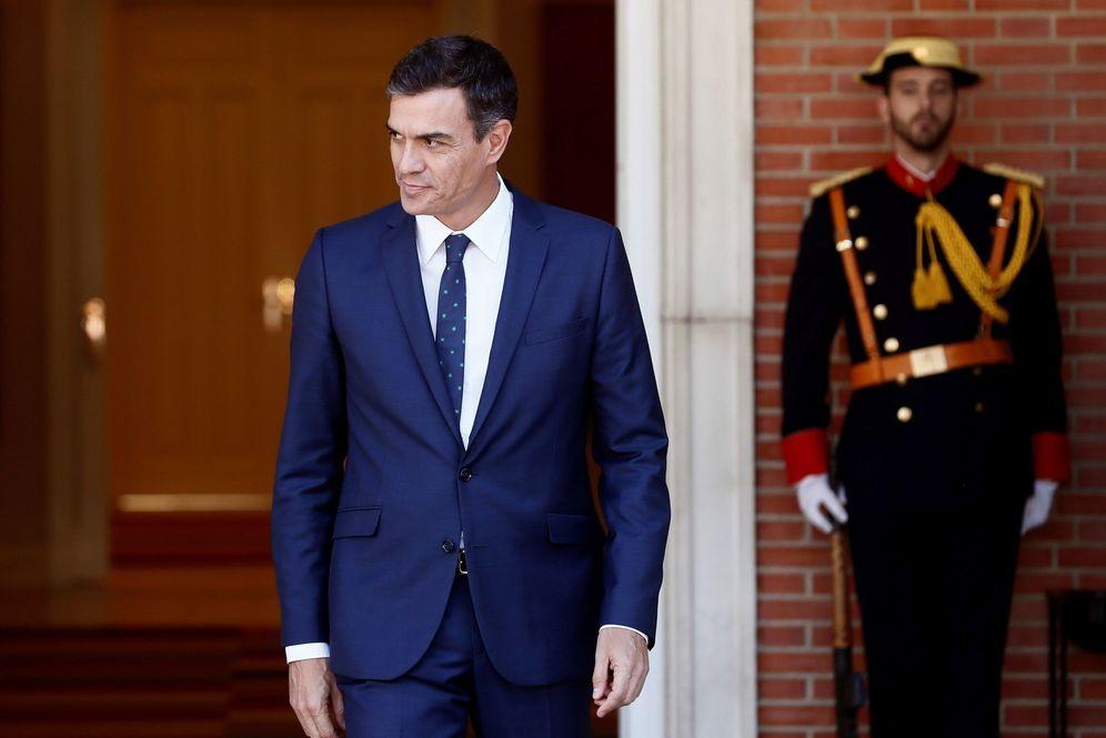 Foto: Pedro Sánchez, el pasado 1 de octubre, momentos antes de recibir al primer ministro francés, Édouard Philippe, en el Palacio de la Moncloa. (EFE)