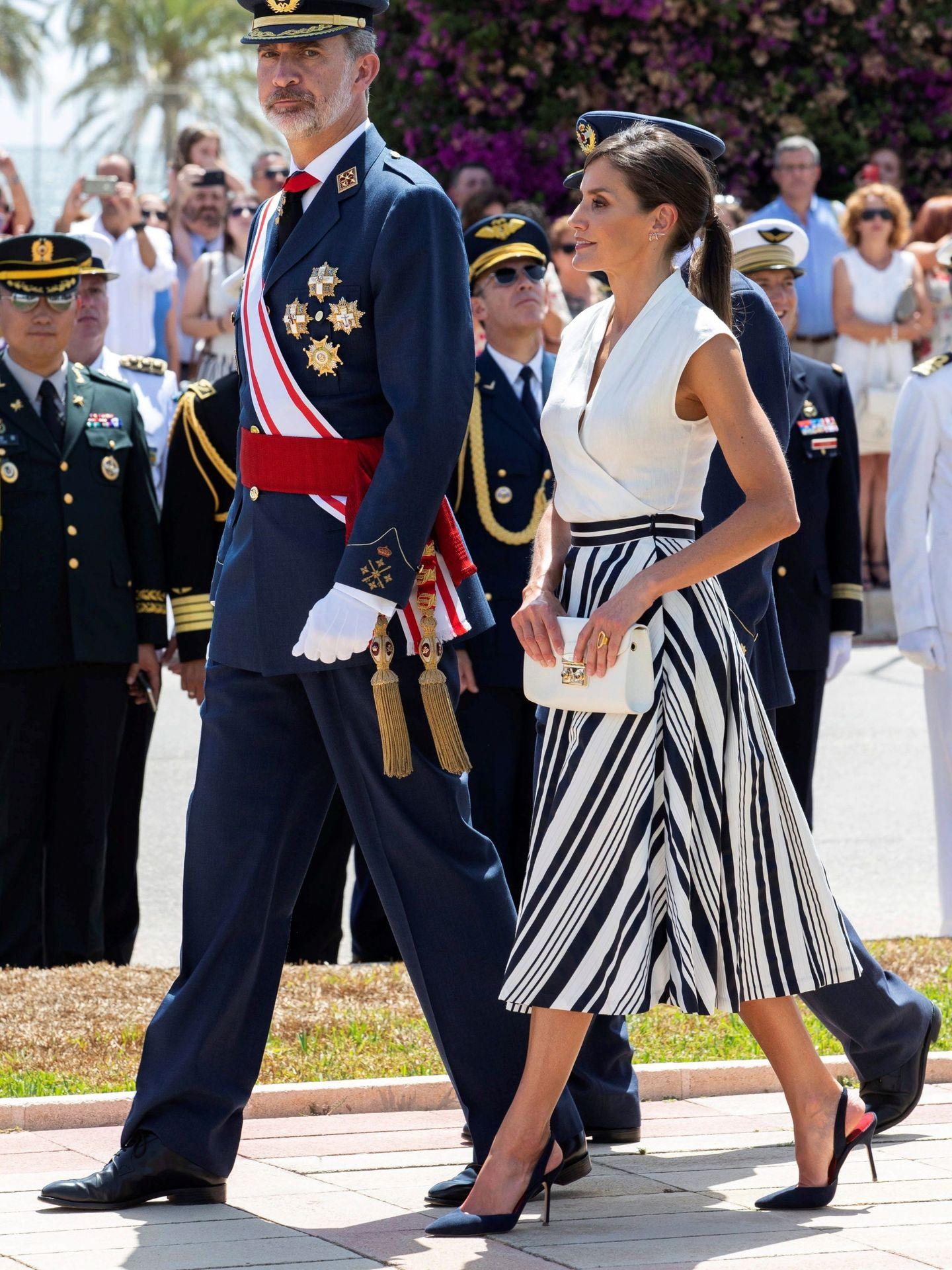 Letizia con su falda de Sweet Matitos. (EFE)