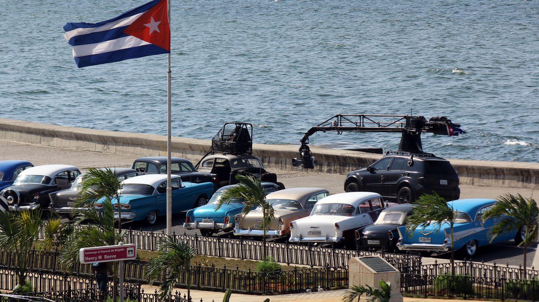 Momento del rodaje de la octava entrega de 'Fast and Furious' en La Habana. (EFE)