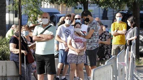 Cataluña empieza los cribados masivos con colas y 800 PCR durante el fin de semana