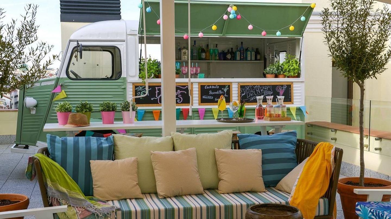 Intemperie, sofás, food truck y atardeceres en The Mint. (Cortesía)