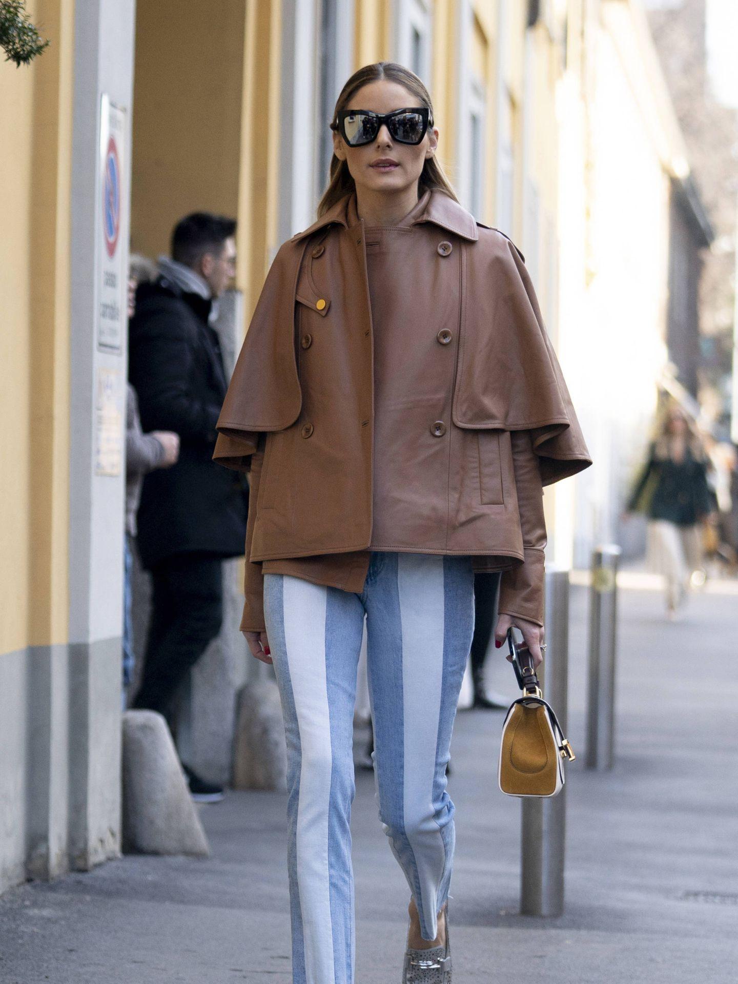 Olivia Palermo, con mocasines plata. (Imaxtree)