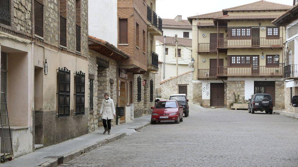 Foto: Vista de una de las calles de Orihuela del tremedal, Bronchales, pueblo de Teruel, cuyo índice de población es menor que Laponia. (EFE)
